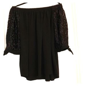 Super Cute Off The Shoulder Top With Lacy Sleeves